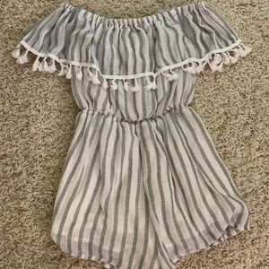 nwot tassel, off the shoulder romper
